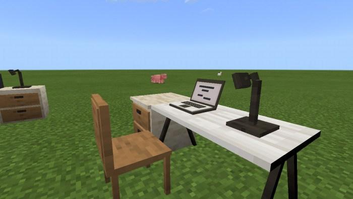 Ноутбук и компьютерный стол