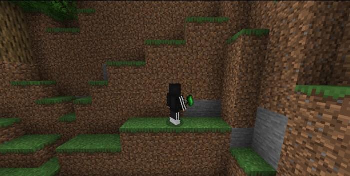 Игрок использует молот